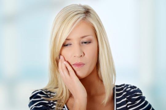 Как облегчить зубную боль в домашних условиях